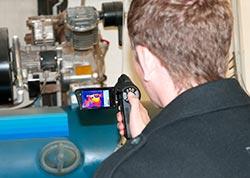 Generator-Untersuchung mittels Wärmebildkamera.
