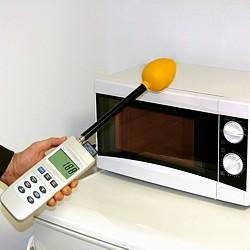 Der Elektromagnetischer Strahlungsmesser kann auch bei Mikrowellen benutzt werden