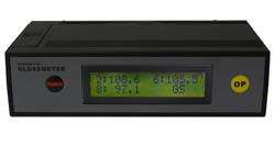 Das Glanz-Messgerät wird mit Kalibrierstandards ausgeliefert.