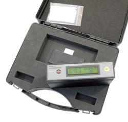 So wird das Glanz-Prüfgerät im Koffer geliefert.