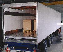 Entladung von Lebensmitteln vom Kühl-LKW.