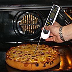Das Lebensmittel-Thermometer ist ein unerlässlicher Helfer auch beim Backen.