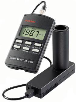 Mavo-Monitor zum Messen der Leuchtdichte im  Aufsatzverfahren mit USB - Schnittstelle und Software zur Datenübertragung an ein Speichermedium.