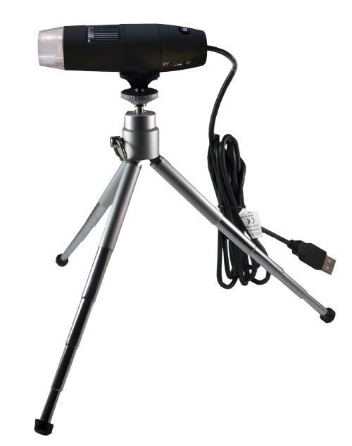 Das Mikroskop wird mit einem mehrfach verstellbaren Stativ ausgeliefert.