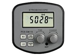 Hier sehen Sie das Display des Stroboskop PCE-OM 15 im Einsatz