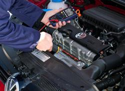 Messung der Motortemperatur mit dem Umweltmessgerät PCE-EM 886.