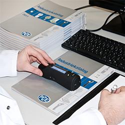 Farbmessung mit CIELAB-Messgerät PCE-TCD 100