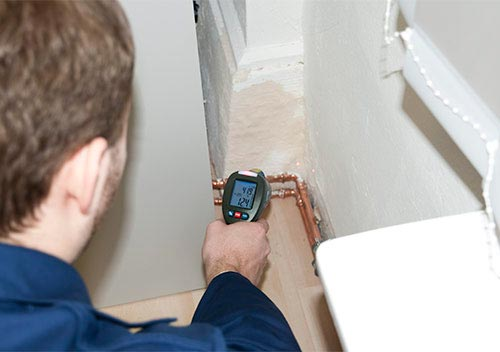 Beim Erreichen des Taupunkt schlägt der Taupunkt Scanner optisch und akustisch Alarm.