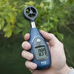 Hier das Mini-Anemometer in Nahaufnahme
