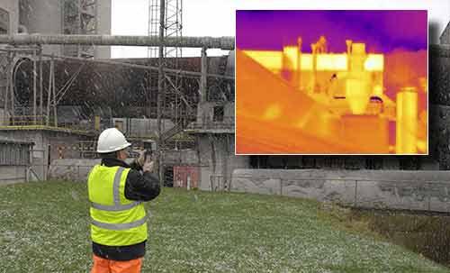 Die Wärmebildkamera bei der Überprüfung von Industrieanlagen.