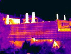 Wärmebild einer Industrieanlage aufgenommen mit der Wärmebildkamera