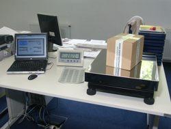 Paketwaage im praktischen Einsatz (mir angeschlossener Software)