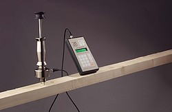 Concrete Moisture Meter FMD 6 in Use