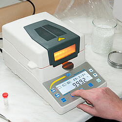 Absolute Moisture Meter PCE-MA 202 display