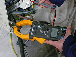 Three-Phase Electrical Tester PCE-GPA 62 application