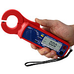 Digital Multimeter PCE-LCT 1 in the hand