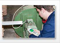 L'hygromètre de précision est apte pour une mesure rapide de la température et l'humidité ambiantes.