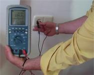 Controllo della tensione con il multimetro