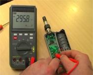 Controllo di una scheda interna di un apparato elettronico con il multimetro