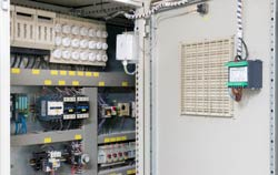 Data logger IoT installed in an industrial plant.