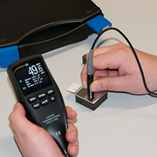 Paint gauge self-calibration with external sensor probe