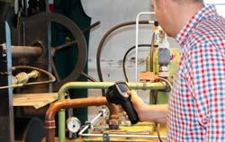 Camara de inspeccion en aplicación ingeniería automotriz