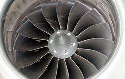 Turbina revisada por una cámara de inspección.