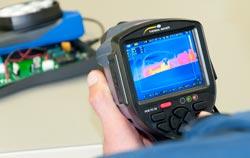 Cámara termográfica PCE-TC 34 en una aplicación.