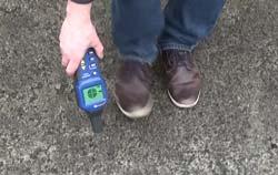 Detector de cables durante una aplicación.