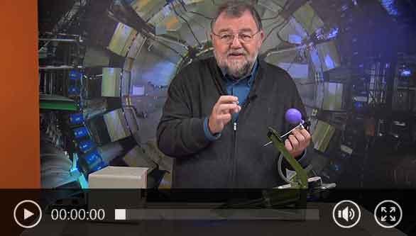 Wolfgang Rudolph presenta un detector de fugas.