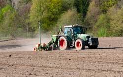 Medidor de pH en la agricultura para el suelo.