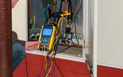Medidor de calidad de energía en planta eléctrica