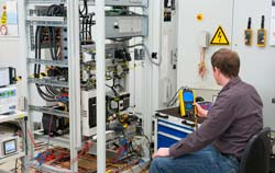 Medidor de potencia en el control de calidad.