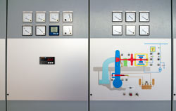 Tachymètre industriel pour le contrôle dans une centrale électrique.