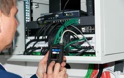 Utilisation du testeur de câbles.