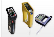 Dichtemessgerät zum Bestimmen der Dichte von Flüssigkeiten und Feststoffen