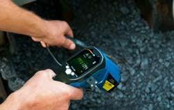 Digitalthermometer Anwendung im Straßenbau.