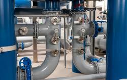 Durchflussmessgerät in der Anwendung im Wasserwerk.