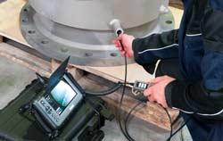 Amaturen Qualitätsüberprüfung mit einer Endoskopkamera