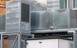 Hitzdrahtanemometer an der Arbeitsstaette für Lueftungsanlagen.