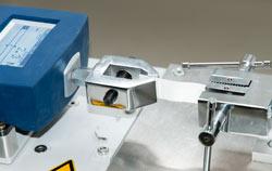 Kraftmesser im Einsatz bei der Materialprüfung