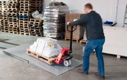 Platform scales application at the warehouse pallet weighing.