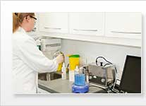 Ultraschallreinigungsgerät / Ultraschallreiniger