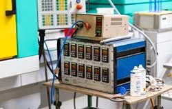 Universalregler in der Kunststoff Produktion.