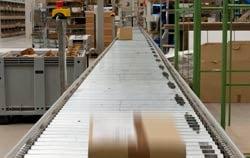 Rollbahnwaage im Warenverteilzentrum.