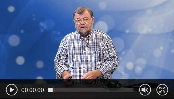 Wolfgang Rudolph erklärt die kontaktlose Temperaturmessung mittels Temperaturmesser.