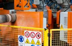 Temperaturregler bei der Anwendung in der Maschinensteuerung bei Kunststoffen.