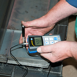 Metal Hardness Testing Durometer PCE-900 application